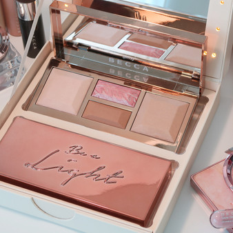 'Be A Light' Face Palette by Becca Cosmetics