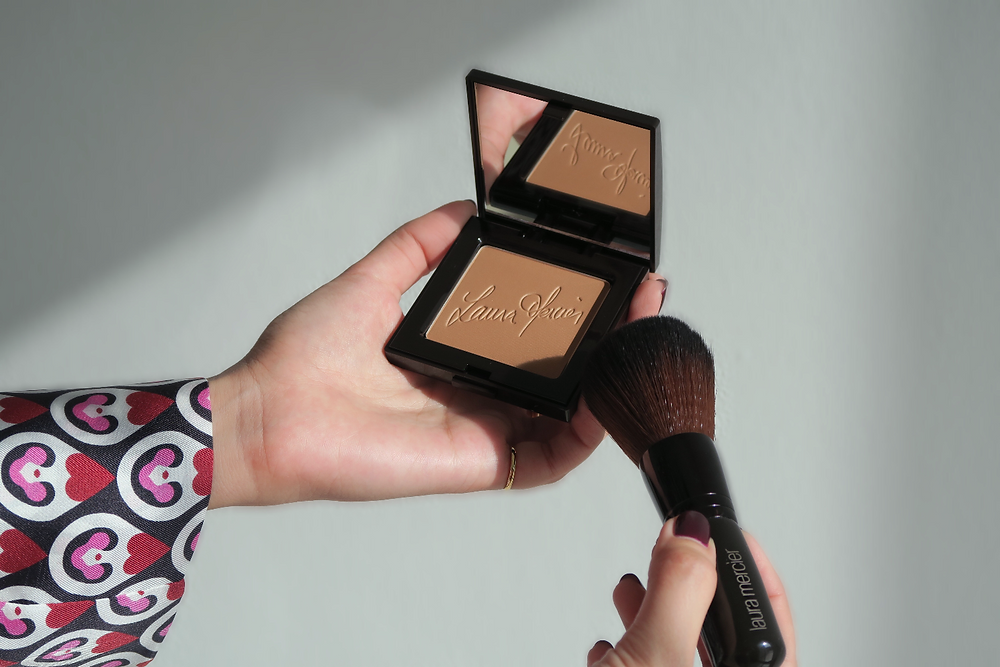 laura mercier matte bronzing powder review