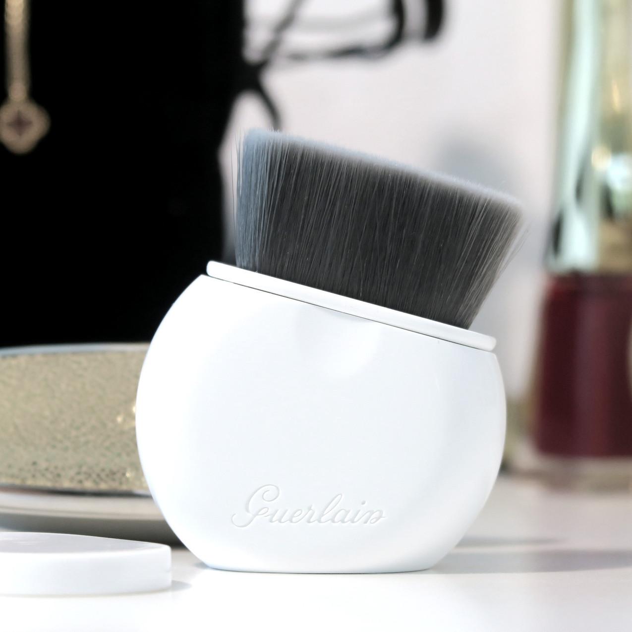 Guerlain L'Essentiel Brush