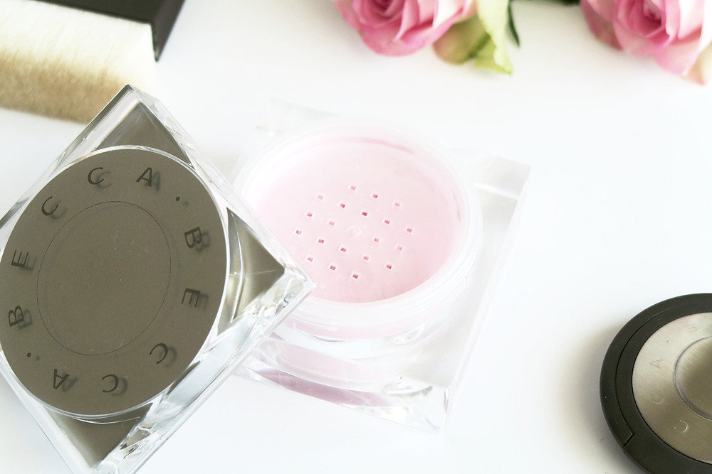 becca cosmetics soft light blurring powder review