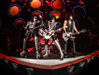 Being There: Kiss at The PPL Center