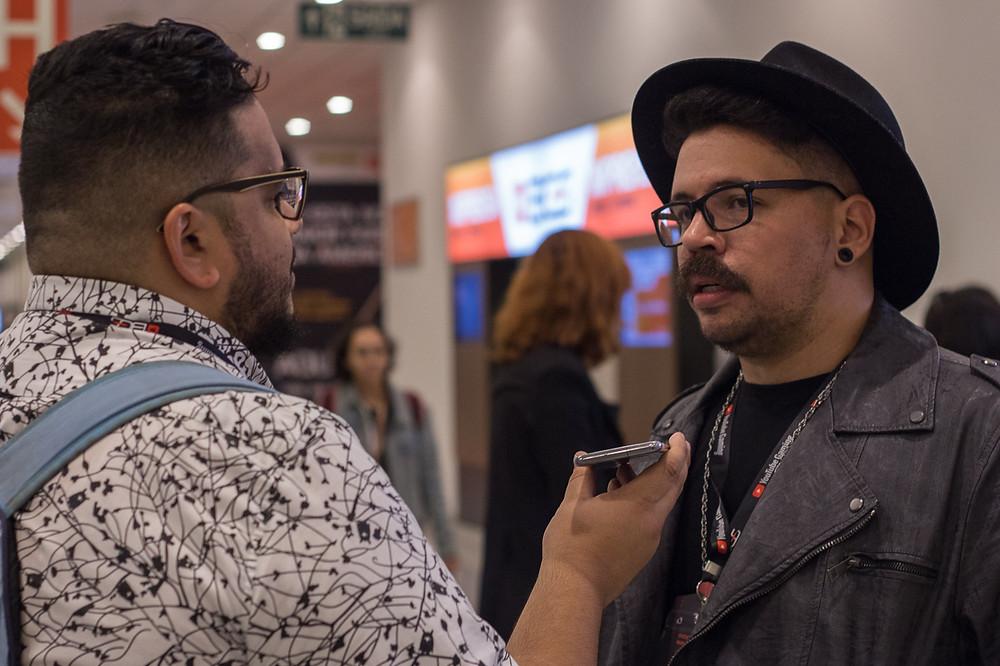 Mike se considera um felizardo por trabalhar com aquilo que ama: cultura geek, nerd e pop (Foto: Bruno Bragante / Be Geeks)