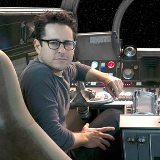 J.J. Abrams diz que Star Wars: A Ascensão de Skywalker dará um fim coeso aos 9 filmes da franquia