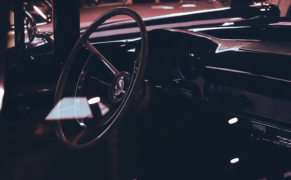 classic-car-interior-showing-wooden-stee