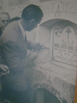 Làpida del cementiri.
