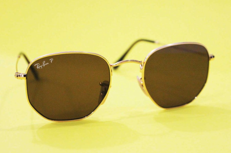 ray bands on yellow back drop
