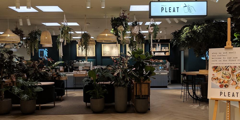 its pleat Westfield Stratford H&M