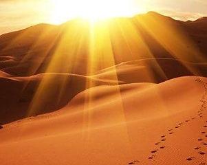 Coucher de soleil à Chegaga désert Maroc.jpg