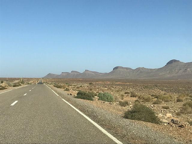 Route vers le désert Maroc.jpg