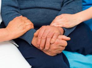 Cómo mantener la calidad de vida siendo cuidador de una persona con Parkinson