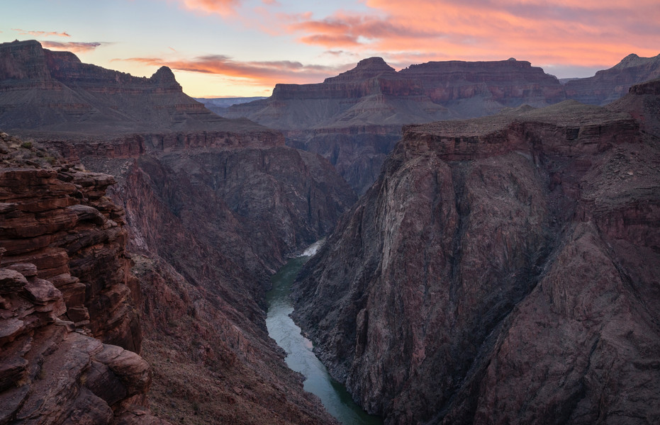 Sunset Looking West From Plateau Point