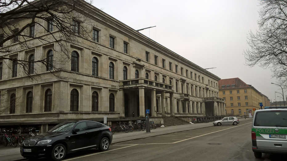 NSDAP Verwaltung - München - schwarzgold.info