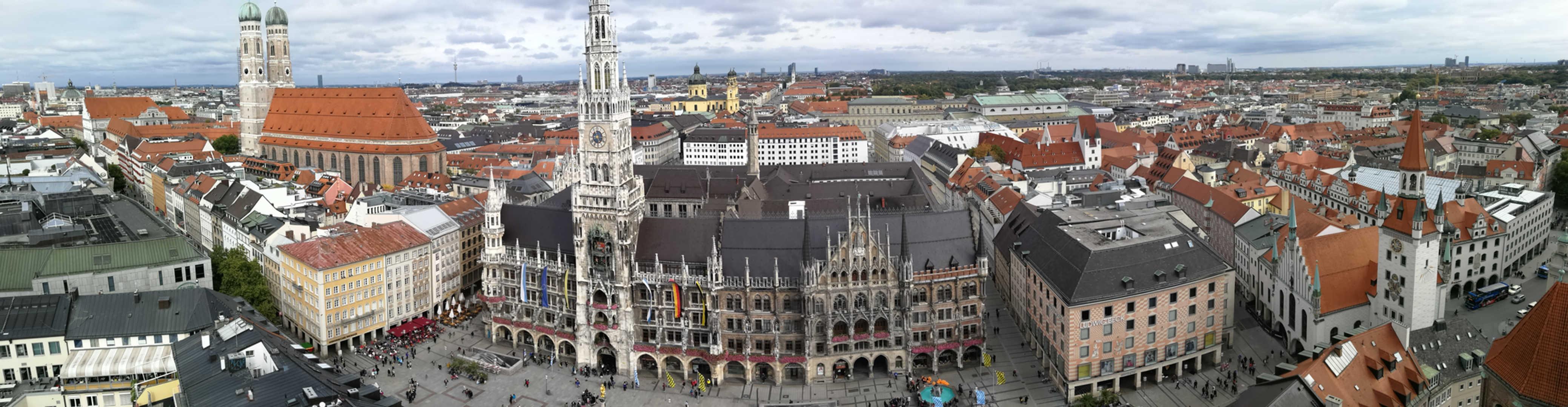 Marienplatz / Neues Rathaus / Frauenkirche - schwarzgold.info