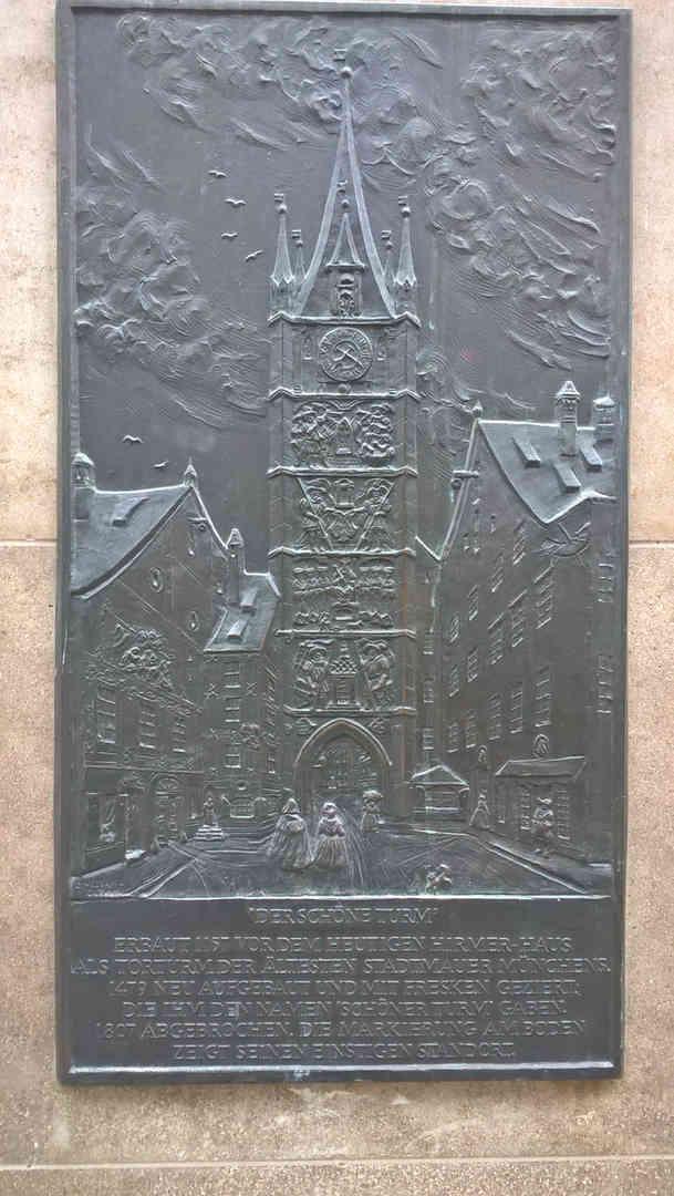 Schöner Turm - schwarzgold.info