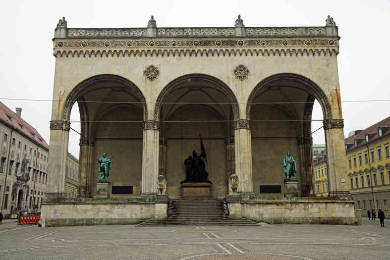 Feldherrnhalle - München - schwarzgold.info