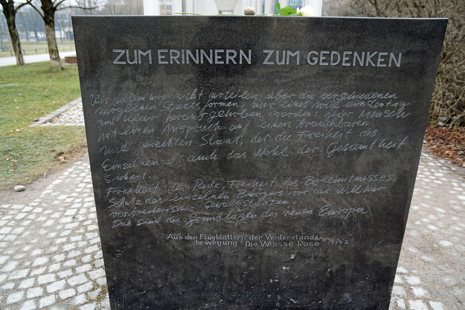 Zum Erinnern Zum Gedenken / Widerstand in München - München - schwarzgold.info