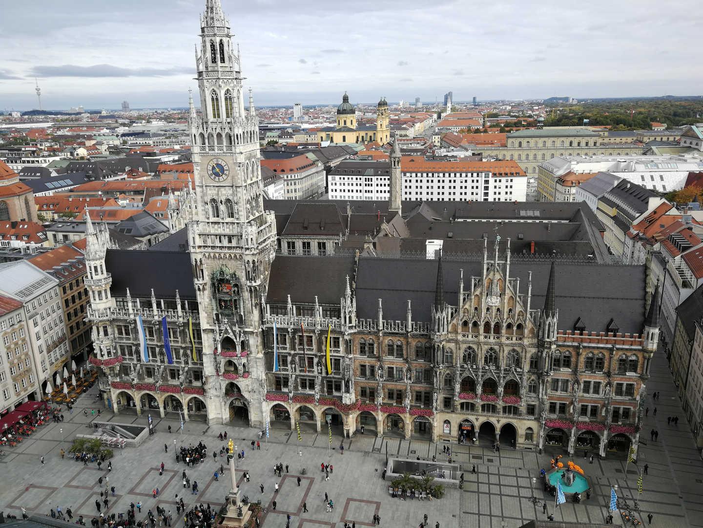 Neues Rathaus - schwarzgold.info