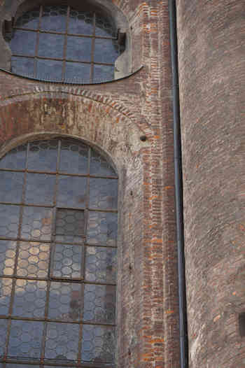 Sankt Peter mit Kanonenkugel - schwarzgold.info