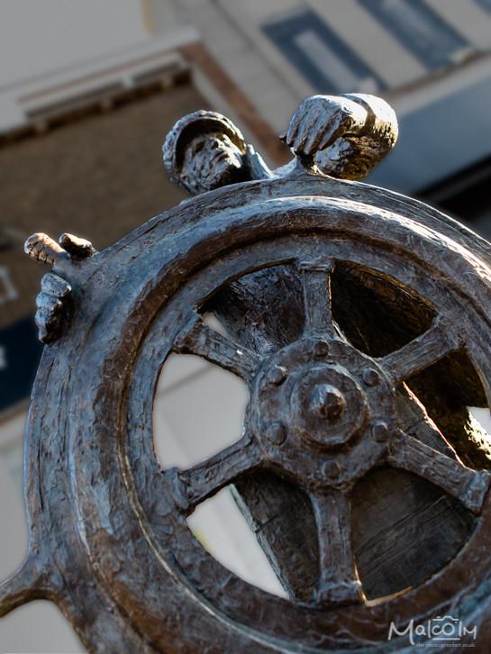 The Bargeman sculpture by Jill Tweed, Sittingbourne