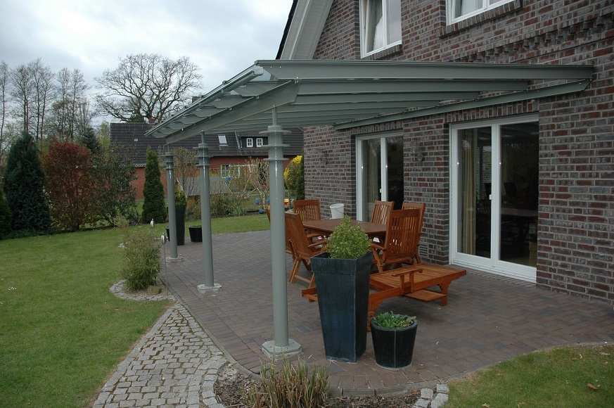 terrassenueberdachung-mit-designelementen-873x580