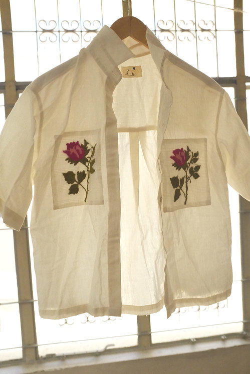 A shirt with Two roses