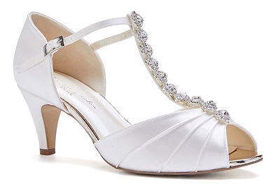 50_BECCY%20WIDE%20_FIT_IVORY_SATIN_ANG_edited.jpg