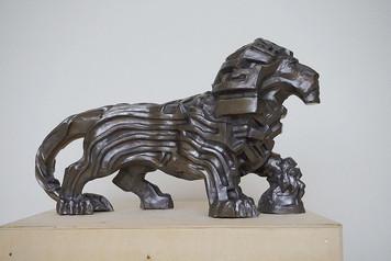 Лев, що подорожує в лабіринті вашого розуму/Leo traveling in the labyrinth of your mind