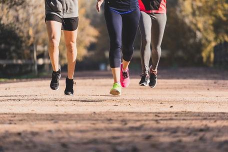 legs-people-running-close-up_23-21476008