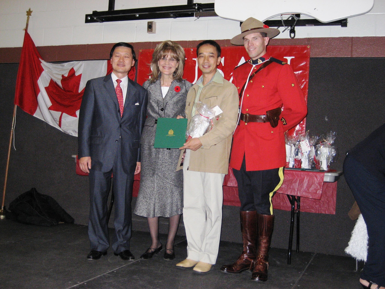 SusanKadisVolunteer Award 2007 from MP Thornhill