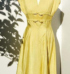 Ljusgul 50tals klänning
