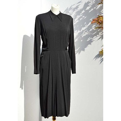 Svart 40tals klänning med krage