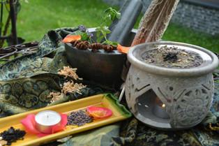 Aromtherapie mit Räucherpflanzen