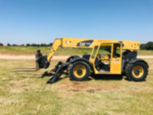 Caterpillar TL 943 Telehandler Offroa Forklift For Sale Construction Equipment Used Cheap Repo