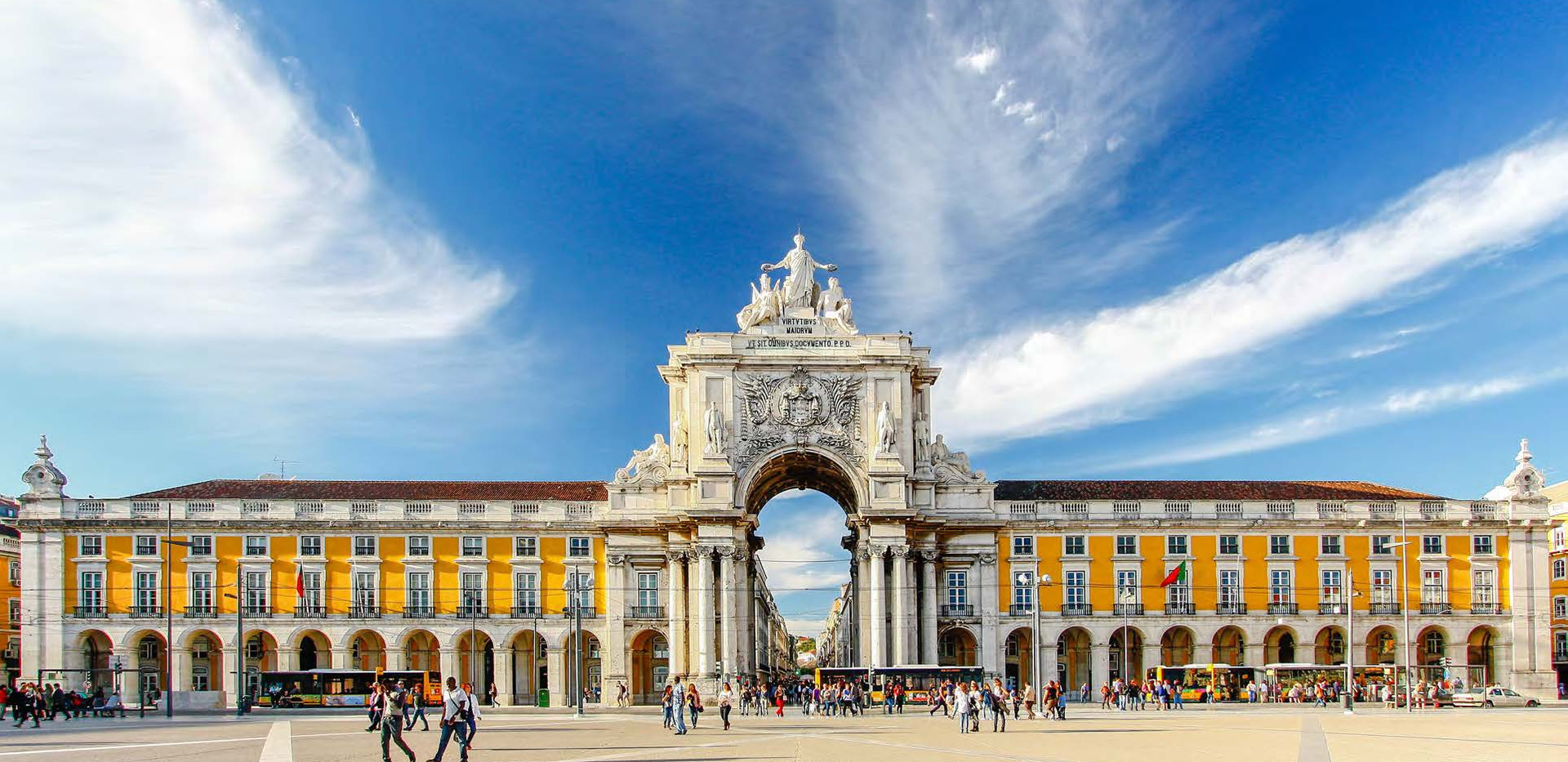 Canva - Famous arch at the Praca do Come
