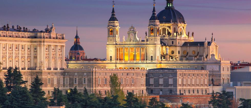 Canva - Madrid..jpg