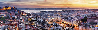 Canva - Panorama of Lisbon at night, Por