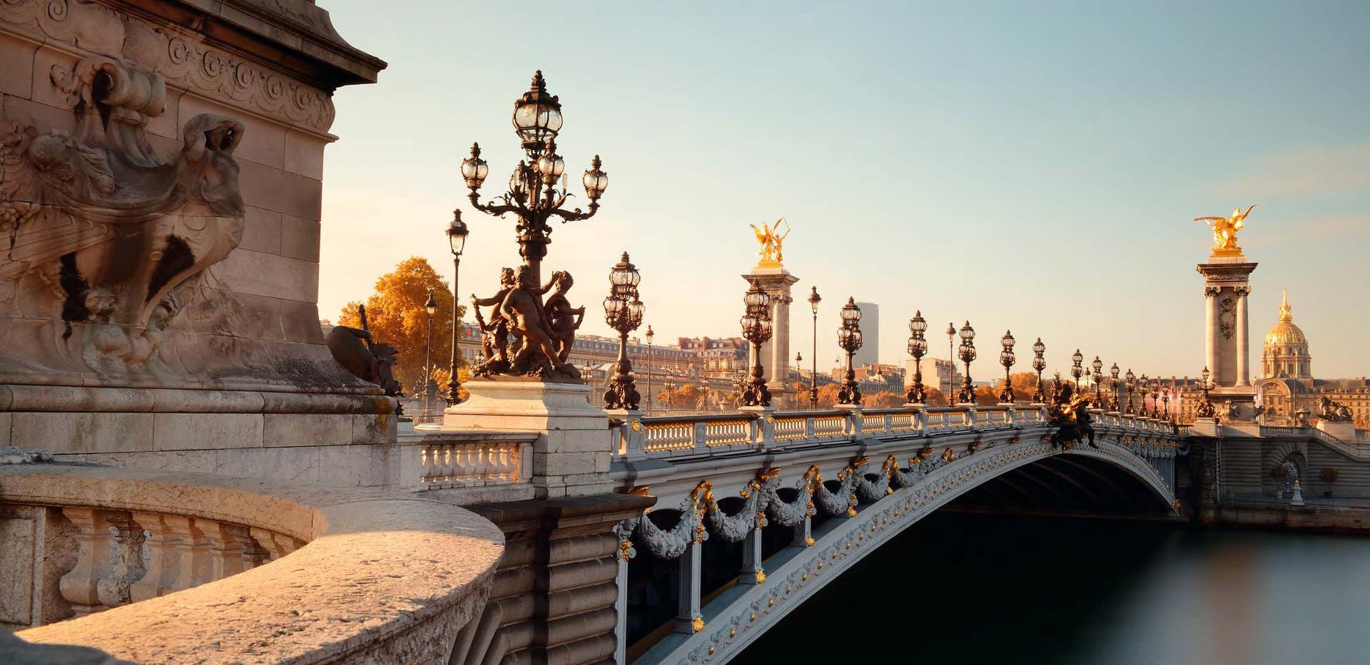 Canva - Paris Alexandre III (2).jpg