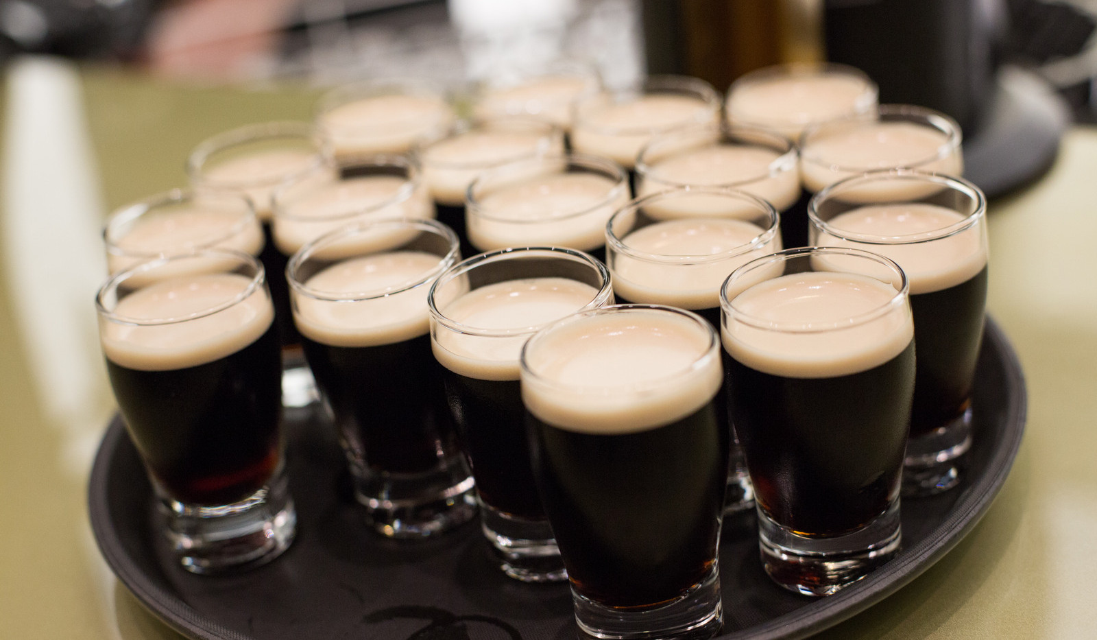 Canva - guinnes beer, ireland, dublin.jp