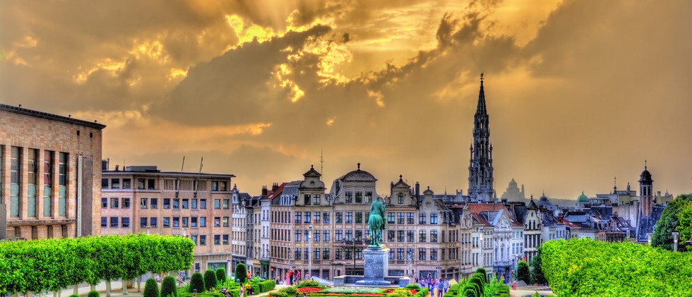 Canva - Dramatic Sunset over Brussel .jp