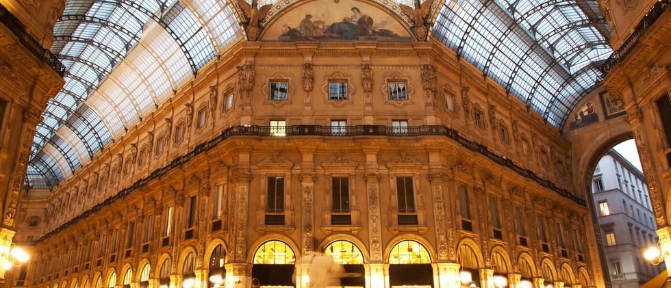 Canva - Vittorio Emanuele II Gallery. Mi