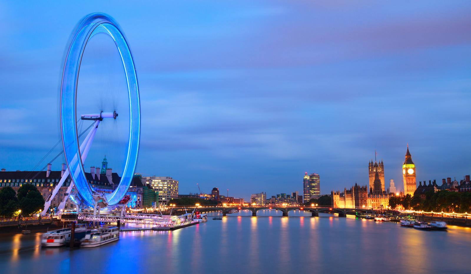 Canva - London at Night.jpg