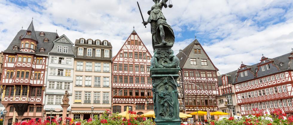 Canva - Frankfurt old town.jpg