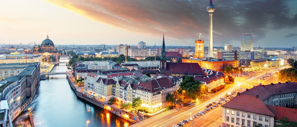 Canva - Berlin panorama.jpg