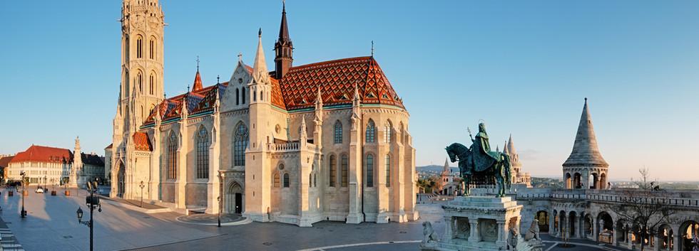Canva - Budapest -  Mathias Church at da