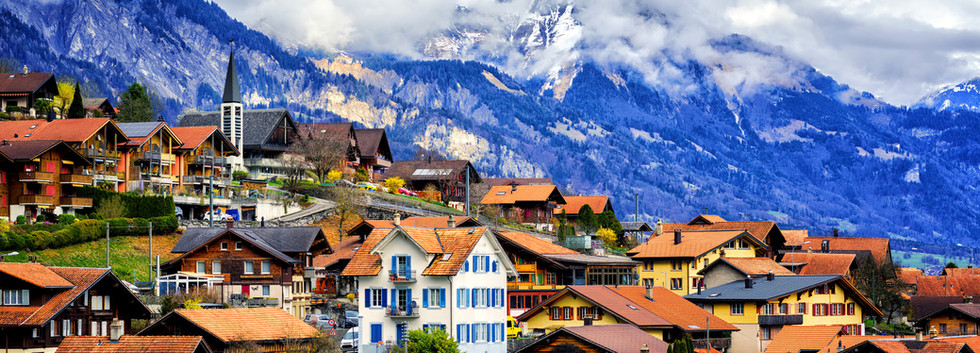 Canva - Old town Oberried, Brienz, Inter