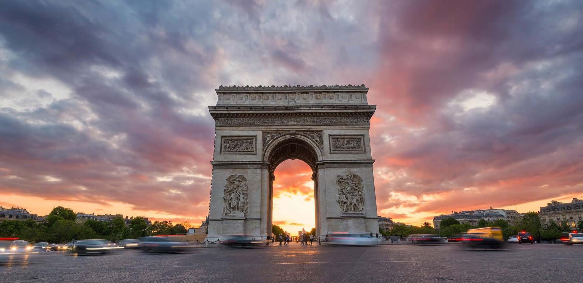 Canva - Arc De Triomphe and Traffic alon
