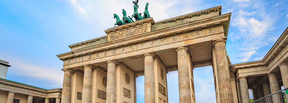 Canva - Brandenburg Gate - Berlin - Germ
