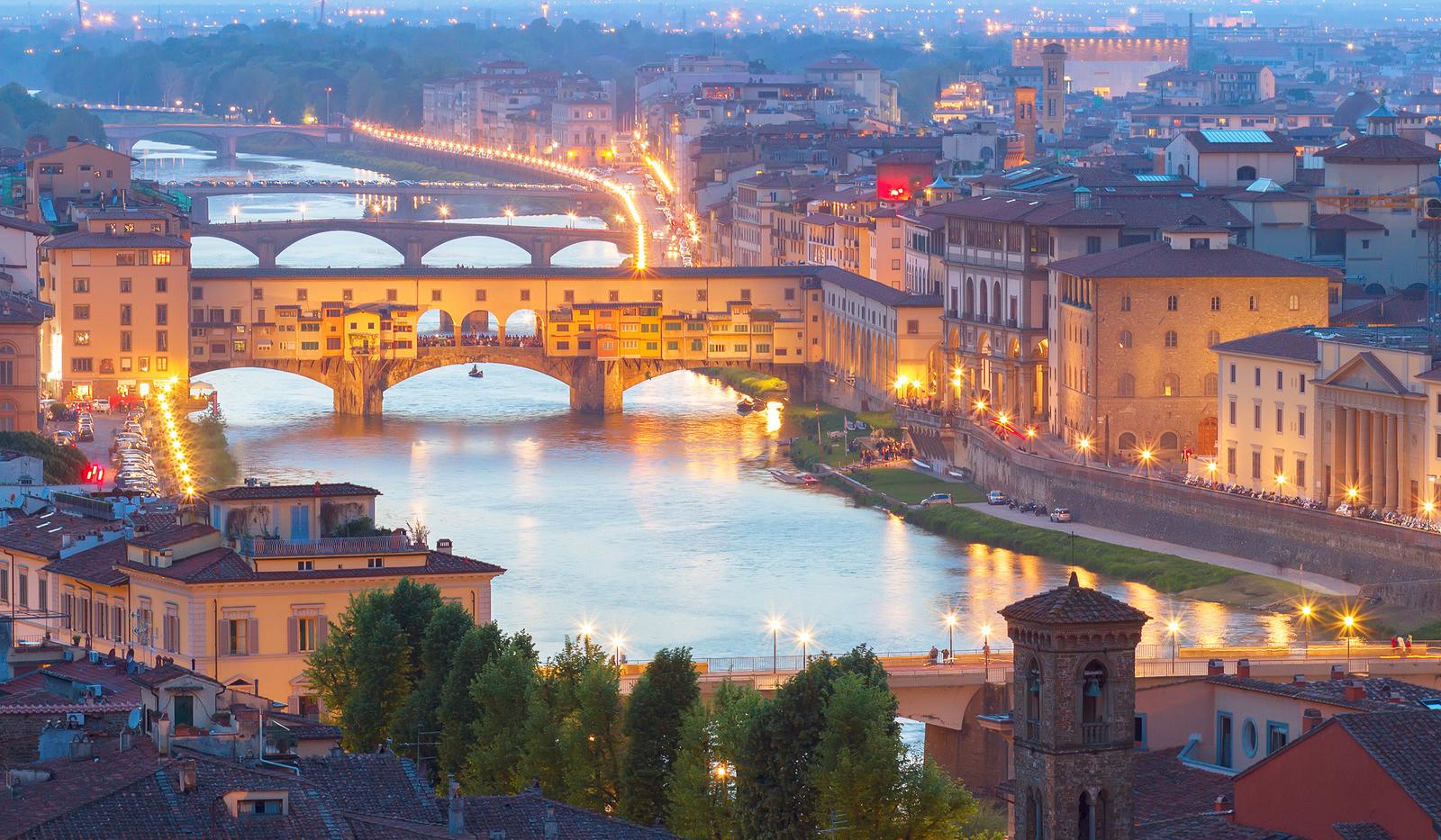 Canva - Ponte Vecchio, Florence, Italy.j