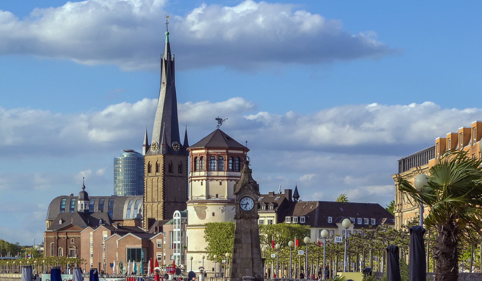 Canva - view of Dusseldorf historic cent