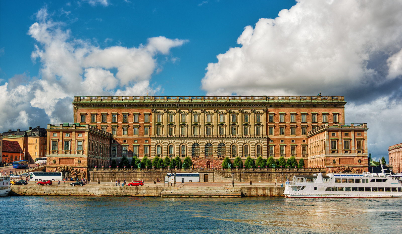 Canva - Royal Palace in Stockholm HDR.jp